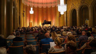 COMPLETE HALL CAPACITY FOR THE 19th Kissinger Piano Olympics